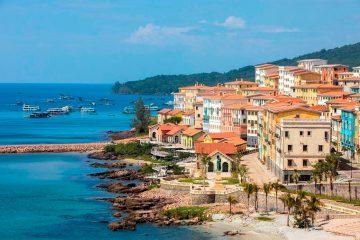 Toàn cảnh Thị trấn Địa Trung Hải